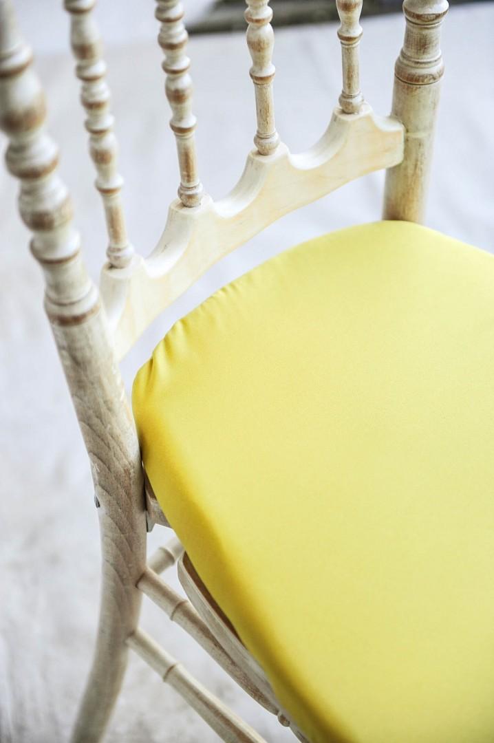 Noleggio Sedia modello Parigina Decapè completa di cuscino